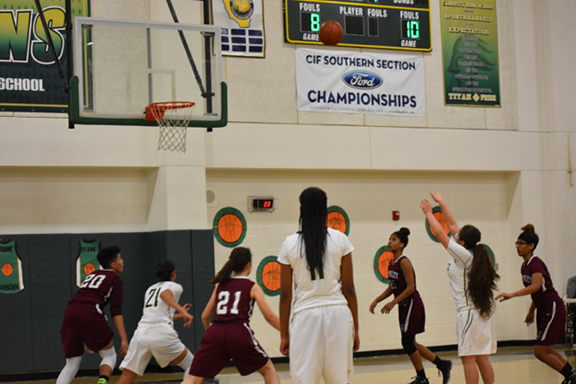 <strong>Lady Titans outrun Mustangs</strong>