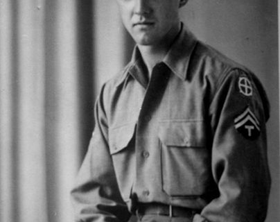 <strong>Two World War II veterans  to receive France's highest honor</strong>
