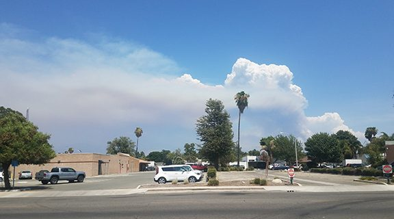 <strong>Valley residents warned to stay inside during fire</strong>