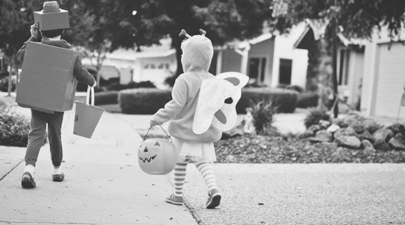 <strong>How to talk to kids about Halloween safety</strong>
