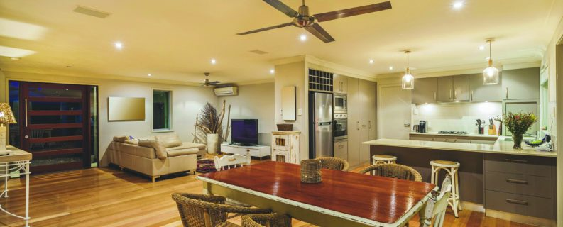 <strong>Benefits to open concept floor plans</strong>