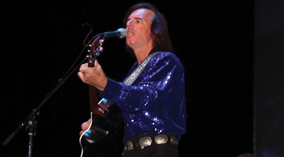 <strong>Tickets for Neil Diamond tribute going fast</strong>