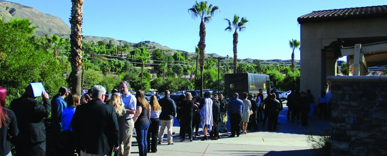<strong>Casino job fair draws some 1,000 eager applicants</strong>