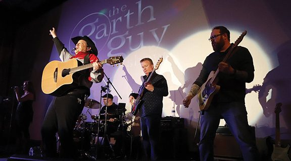 <strong>Tribute to Garth Brooks lights up the crowd at HHT</strong>