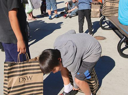 <strong>Bob's Shoes gifts Hemet Elementary</strong>