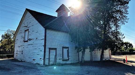<strong>Local government raises funds  for historic barn</strong>