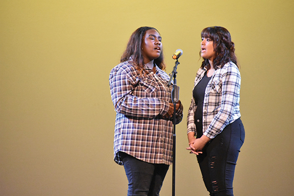 HHS Bulldogs cue talent