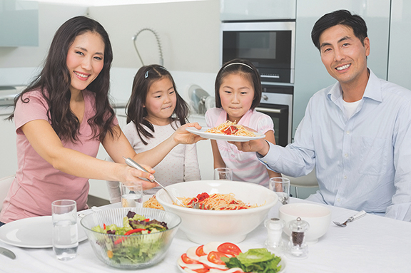 Create family mealtime traditions